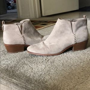 fashionable boots with wedge !